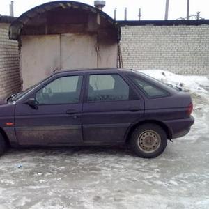 Продам автомобиль Форд-эскорт
