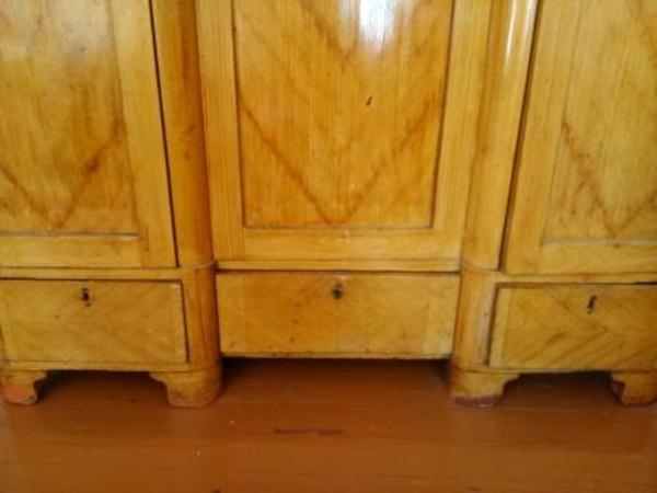 Шкаф дубовый 4